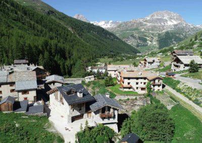 Village du Fornet en plein été